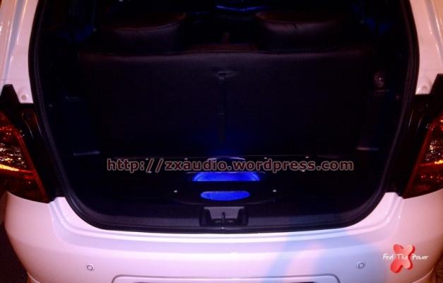 Kosmetik Box Untuk Mobil Grand Livina 2012 by ZX Audio