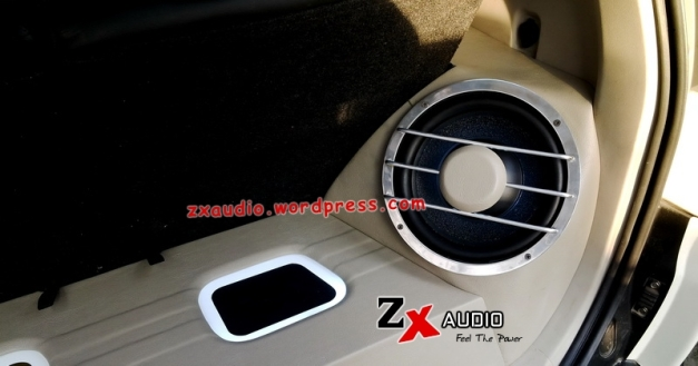 Detail Kanan Box Kosmetik Audio Mobil Mitsubishi Pajero Dakar Putih @ZX_Audio